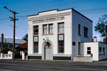Album / New Zealand / Tuatapere / The National Bank of New Zealand