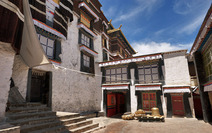 Album / Tibet / Shigatse / Tashilhunpo Monastery / Polishing the Golden Roof / Polishing the Golden Roof 1