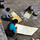 Album / Tibet / Shigatse / Tashilhunpo Monastery / Polishing the Golden Roof / Polishing the Golden Roof 7