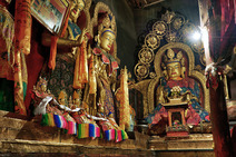 Album / Tibet / Shigatse / Tashilhunpo Monastery / The Main Chanting Hall / The Main Chanting Hall 14