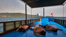 Album / Vietnam / Nha Trang / After Diving